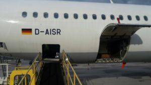 Flugzeug von aussen